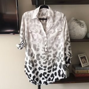NEW YORK & CO black and white animal print top